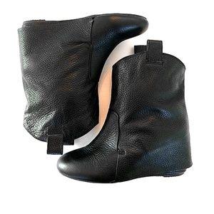 Mojo Moxy Black Leather Wedge Booties